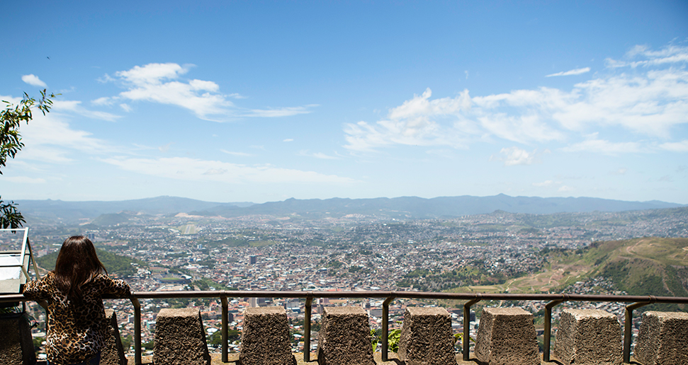 Honduras_business_Elizabeth_overlook1_2017-1