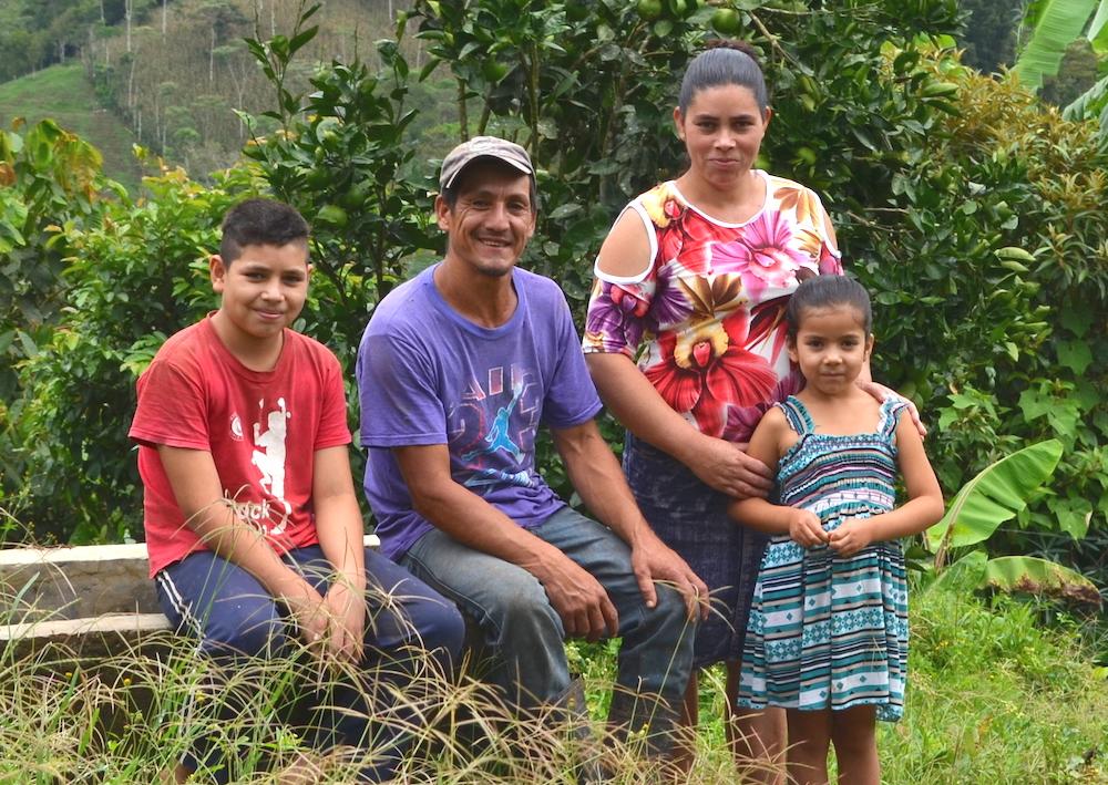 Nicaragua_farmer_Carlos_family_PAC_2018